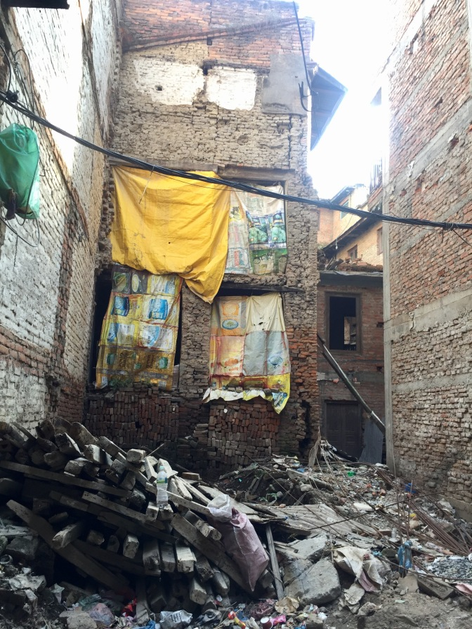 2015 earthquake traces – 10/2017, Patan, Nepal